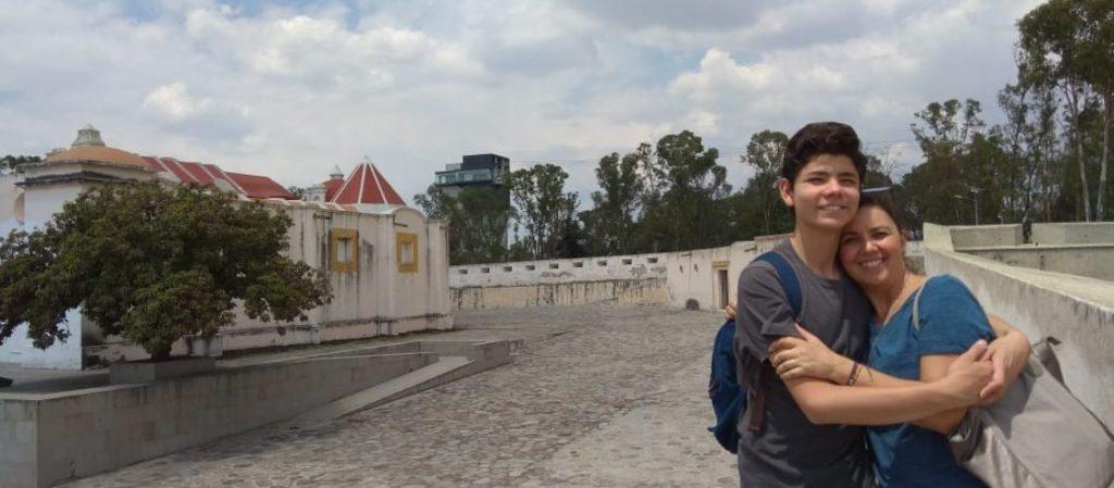 Lourdes Morales e seu filho