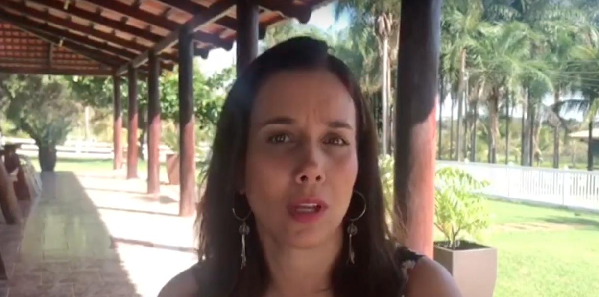 A Luma foi diagnosticada com perda de audição profunda no teste de triagem neonatal. Veja o depoimento de sua mãe.